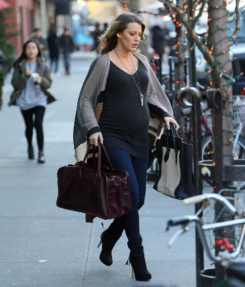 Blake Lively Gave Birth Say Bye To Her Smoking Hot Pregnancy Style-6328