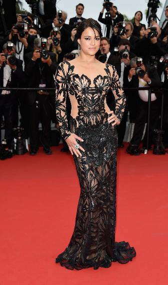 """Michelle Rodriguez in Zuhair Murad on the """"Mad Max: Fury Road"""" red carpet."""