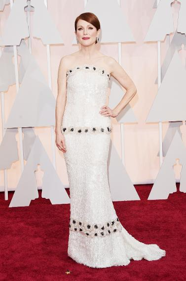 BEST: Julianne Moore in Chanel Haute Couture