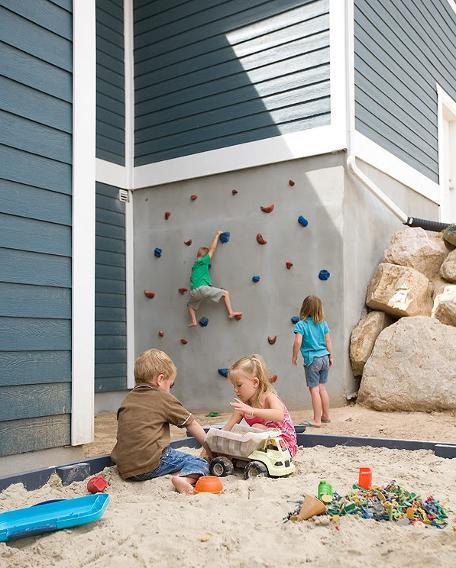 Can Toss Game 13 Easy DIY Outdoor Kids Activities
