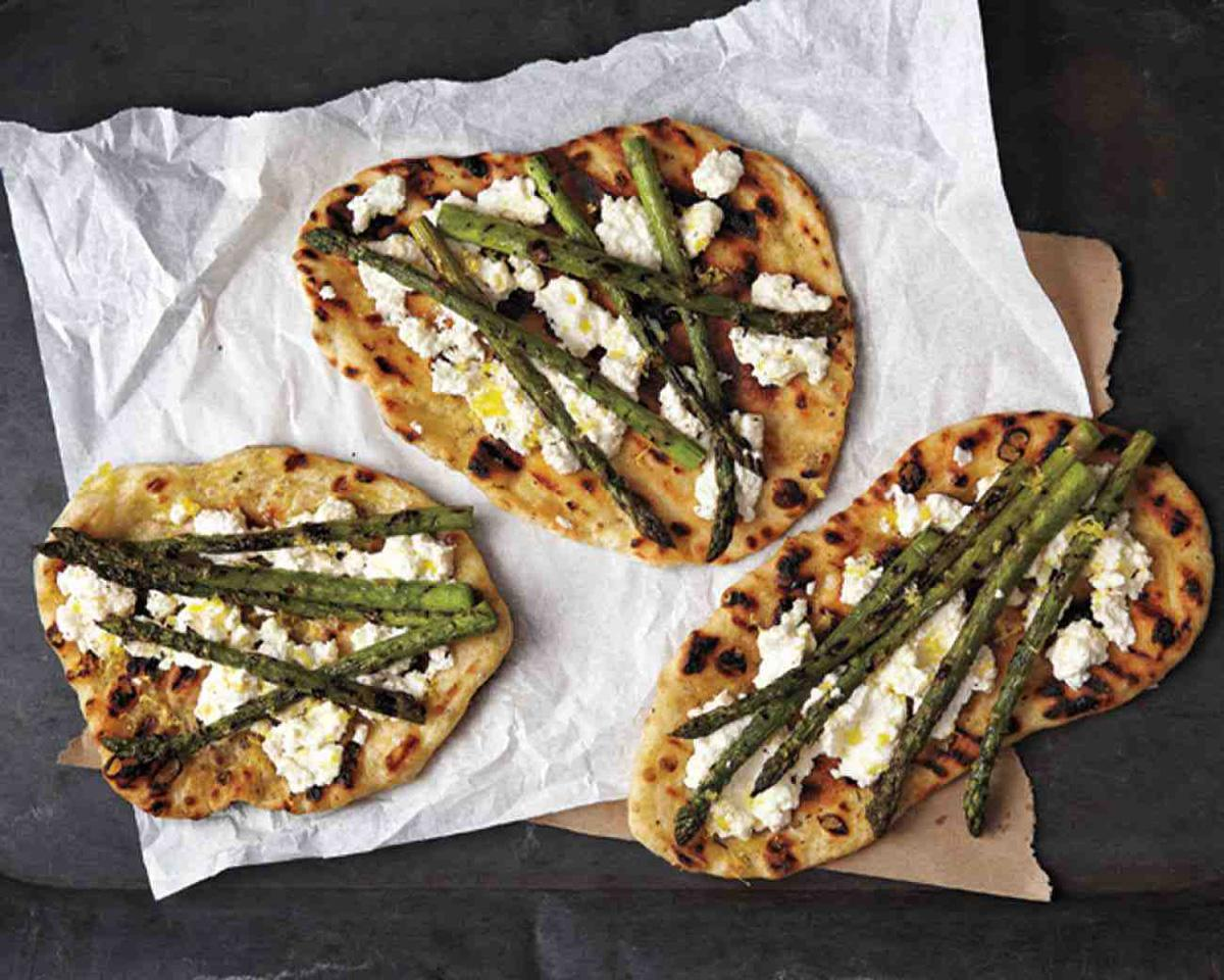 Grilled Asparagus and Ricotta Pizza | Summer Grilling Recipes: Burgers ...