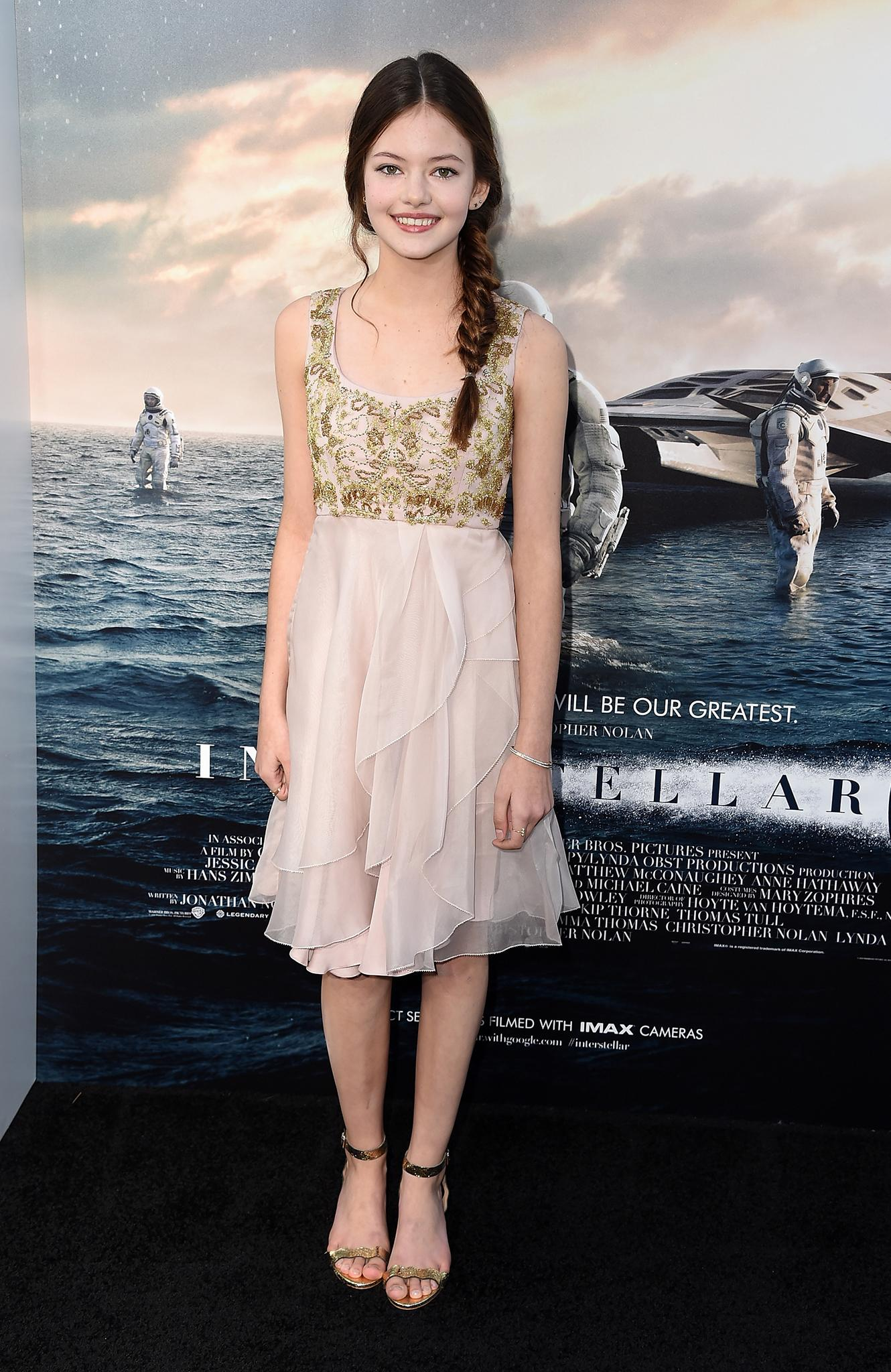 Mackenzie Foy | Jessica Chastain and Anne Hathaway Look ...