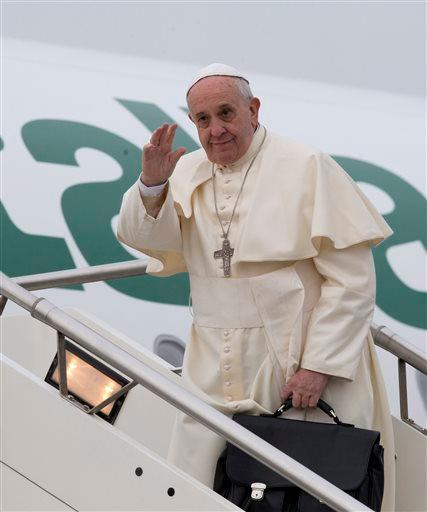 8c8323068b3fc398ecc801f10c01df2f37a5de97 - The Pope Flies Commercial - Travel and Tours