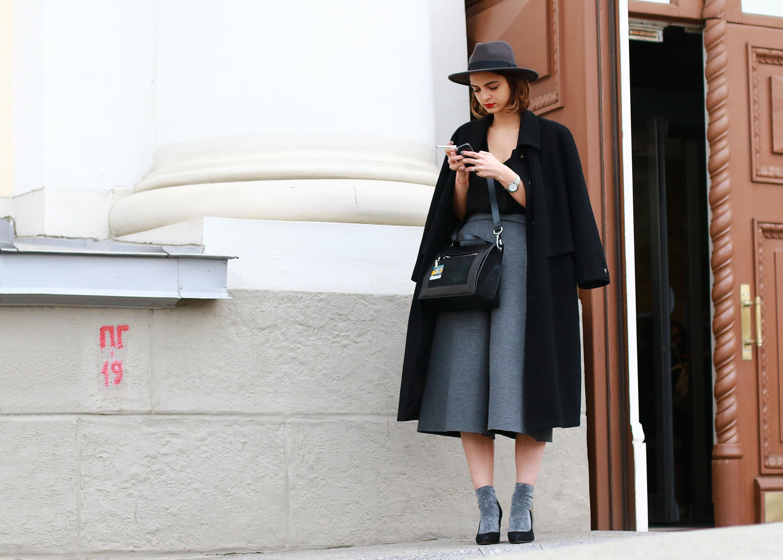 Velvet Socks Gaucho Pants The Best Of Moscow Fashion Week Street Style