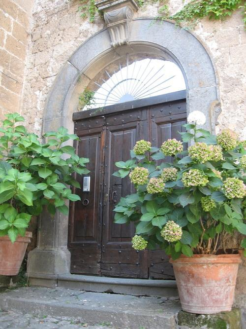 Civita di Bagnoregio doorway secret italy