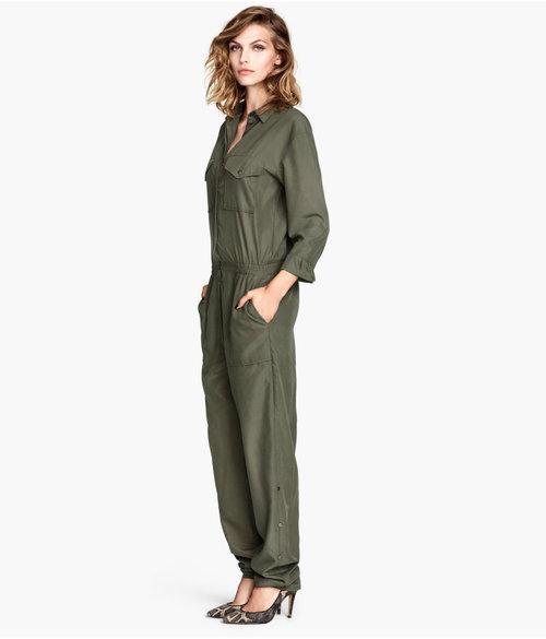 h m apologizes for kurdish female fighter inspired jumpsuit. Black Bedroom Furniture Sets. Home Design Ideas
