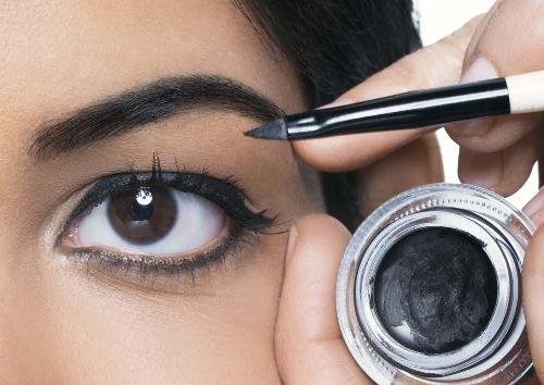How To Apply Gel Liner Like A Pro