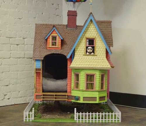 Pixar fans amazing up house dog kennel is the stuff of dreams for Amazing dog kennels