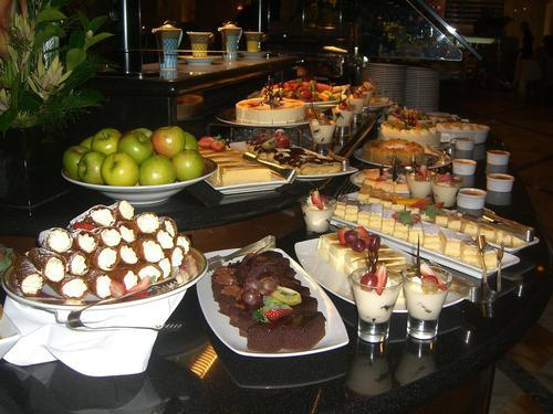 cruise buffet desert bar