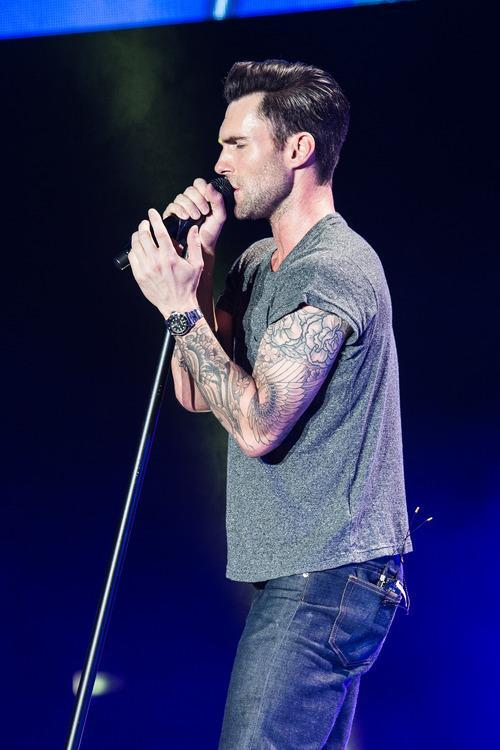 Women Might Actually Prefer Effeminate Men More Than Adam Levine