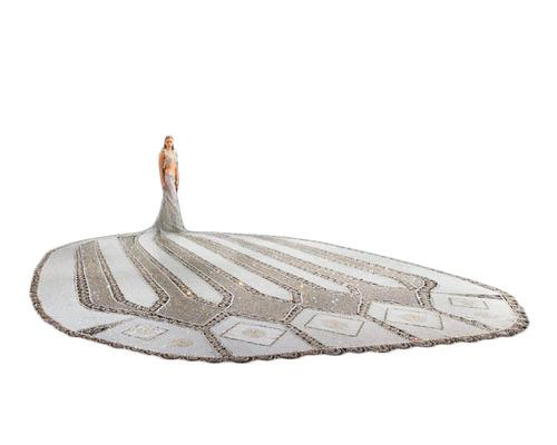 Would You Wear a 380-Pound Wedding Dress?