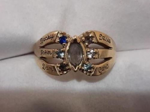 Stranger Reunites Family With Late Mom's Ring, Lost for 20 Years