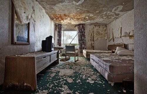 Forever Vacant—Haunting Photos of Abandoned Hotels