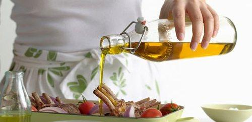 6 Ways You're Using Olive Oil Wrong