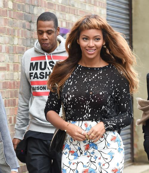 Beyoncé Goes for Baby Bangs