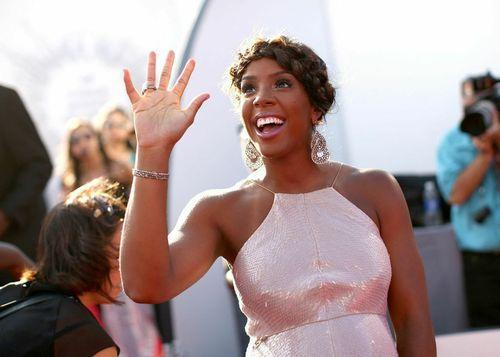 A Glowing Kelly Rowland Preps for VMAs