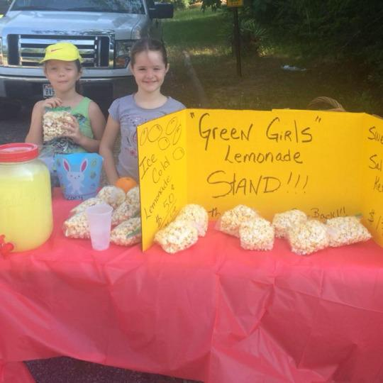 Police Shut Down Girls' Lemonade Stand for Ridiculous Reason