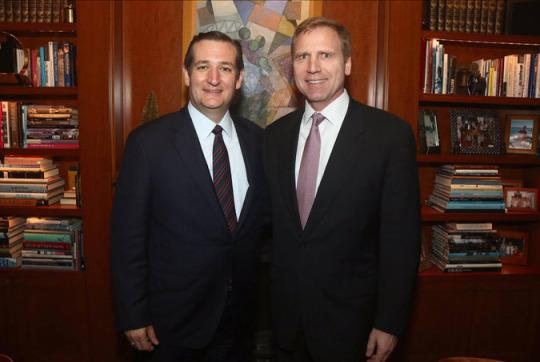 Gay businessmen apologize for co-hosting Ted Cruz event