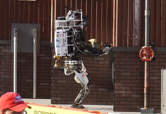 DARPA's Humanoid Robots Take a Slow-Motion Leap Forward
