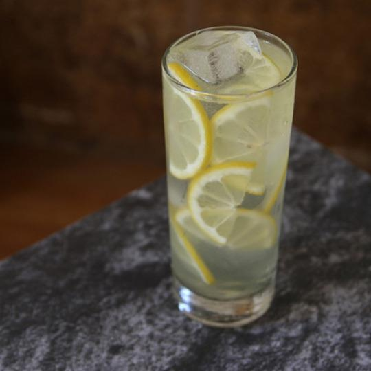 3 Limoncello Cocktail Recipes For Warm Weather Basking