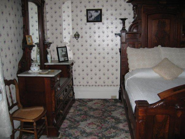 the murder of mr and mrs borden (at the time of the murder,  but the linens were stored upstairs in the small dressing room off mr and mrs borden's locked bedroom.