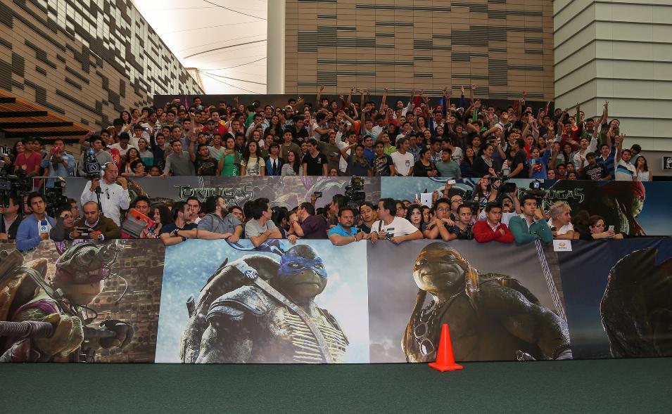 'TMNT' Crowd Assembles