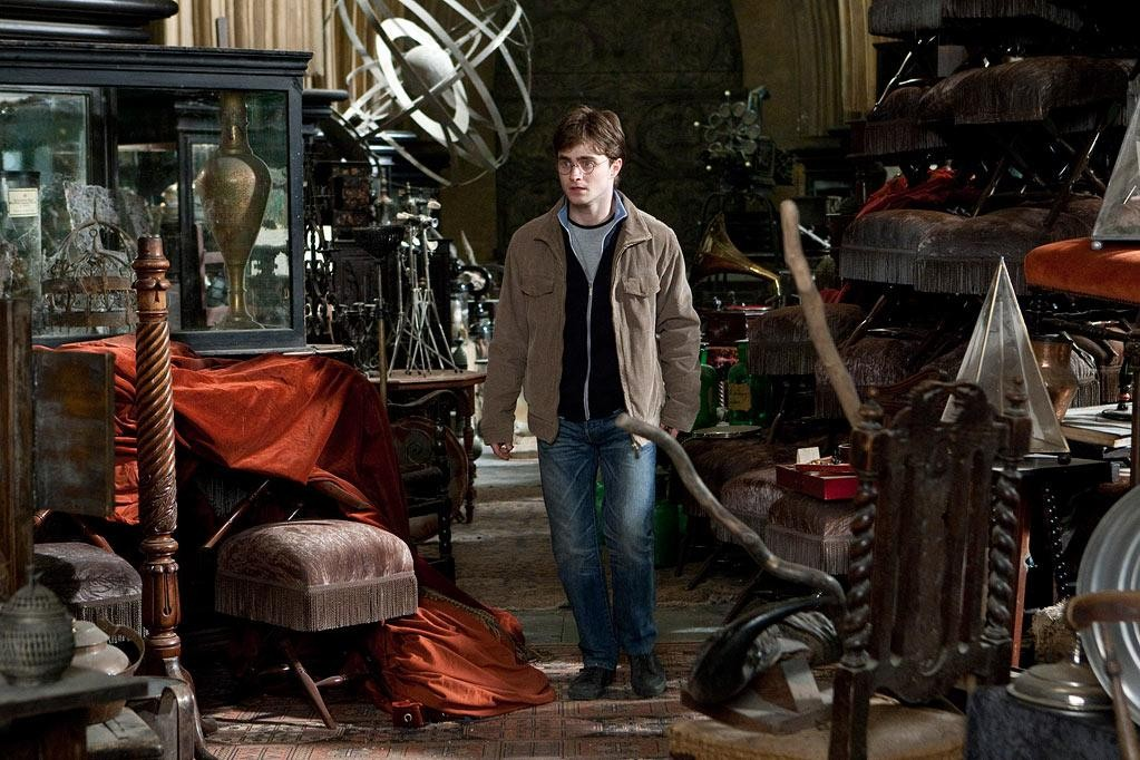 J.K. Rowling Reunites Harry Potter and the Hogwarts Gang for New Story