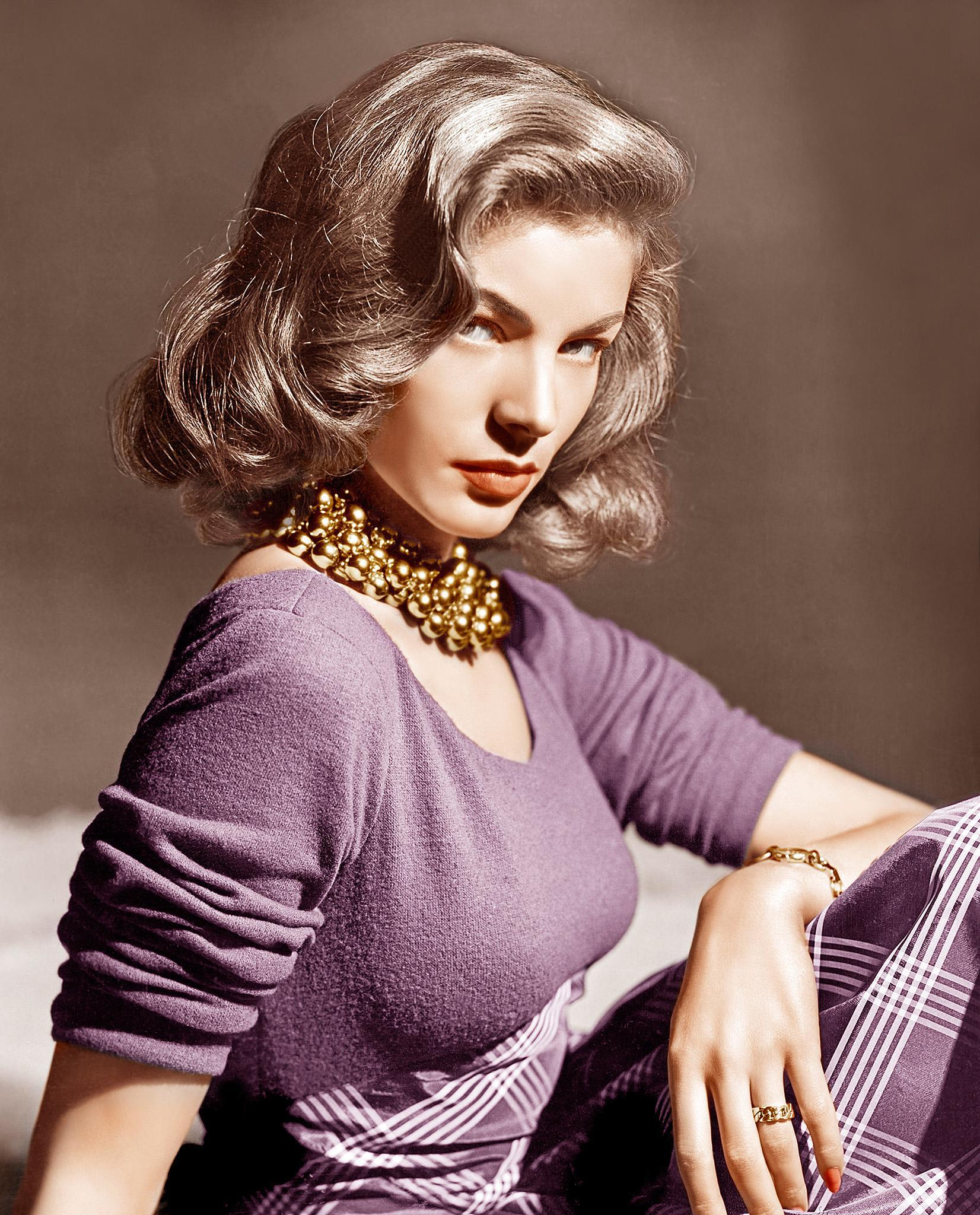 Lauren Bacall, Hollywood's Icon of Cool, Dies at 89
