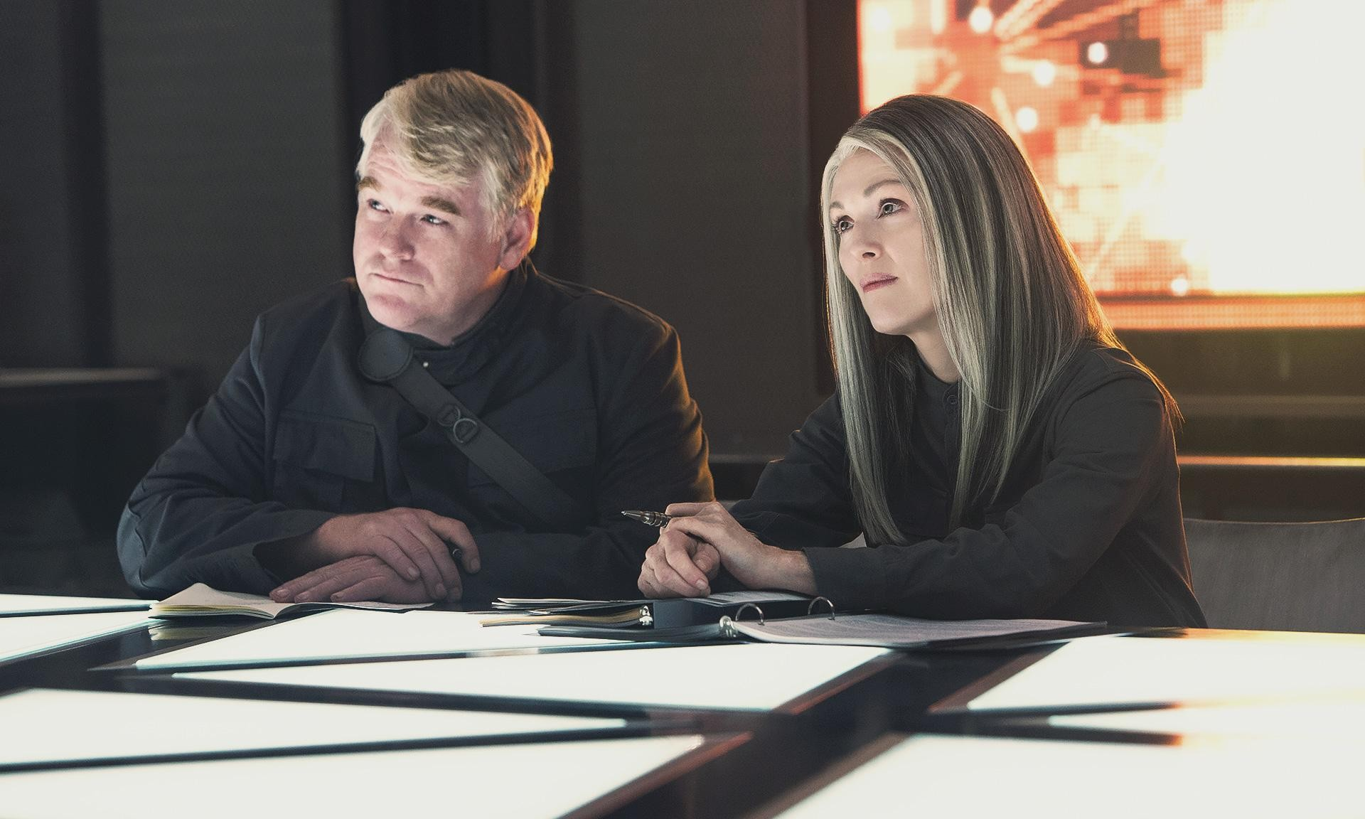'Hunger Games: Mockingjay' First Reveal at Comic-Con: Philip Seymour Hoffman Introduces the Rebellion