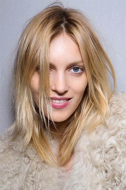 4 DIY Ways to Lighten Hair Naturally