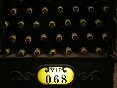 Chinese Become World's Top Tipplers of 'Lucky' Red Wine