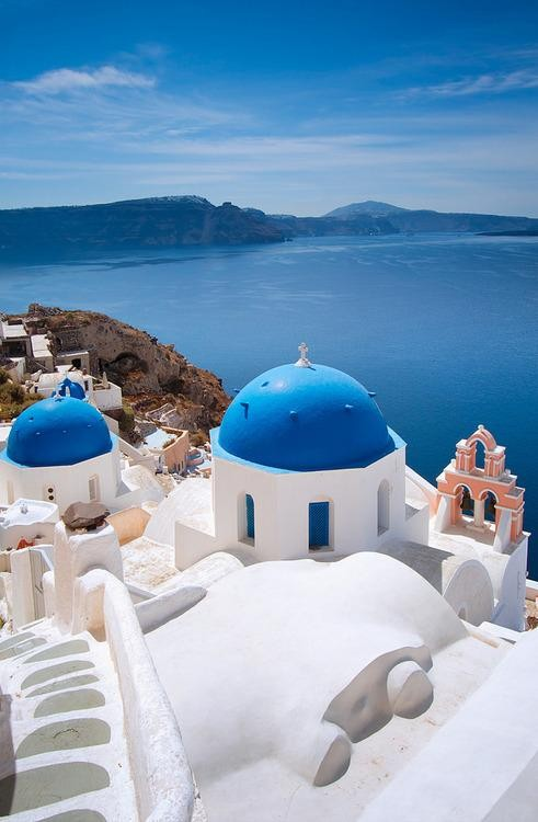 #Daydream: Stunning Seaside Views in Santorini