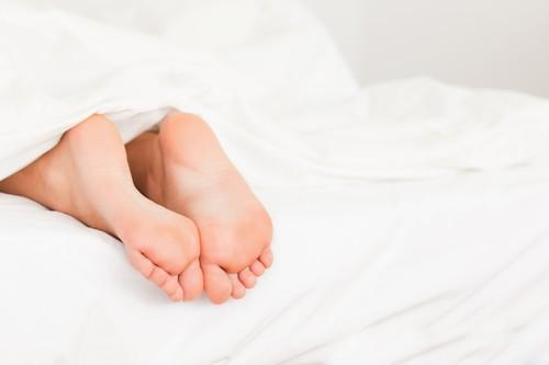 Sleep Hack: Keep Your Feet Outside Your Covers!