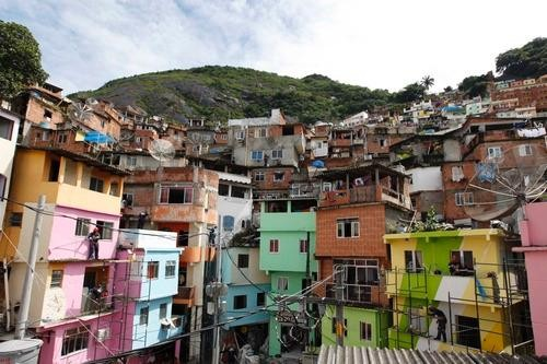 Favela Painting: Brushing Up Rio's Slums For World Cup
