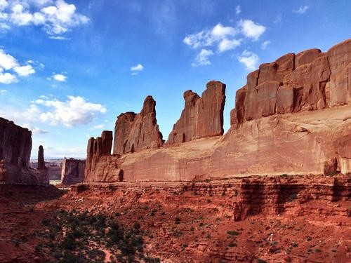#Daydream: Park Avenue Trail in Arches National Park
