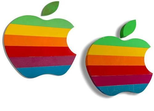 Bidding Starts at $10,000 for Pair of Retro Apple Campus Signs