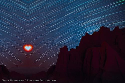 In Search of the Honey Moon: Awesome Time-Lapse Photos of Red Rock Canyon Park
