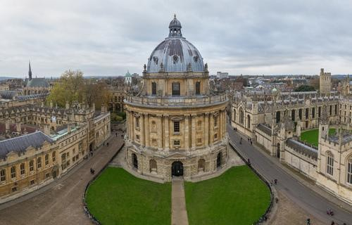 A Fool-Proof Guide to Oxford, Home of Harry Potter and the New Lit Sensation Black Chalk