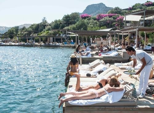The Maçakizi Hotel — Where Supermodels Bask in the Turkish Sun