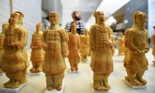 Terracotta Soldiers Made of Bread Might Be Too Pretty to Eat