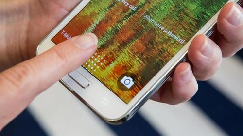 That Was Quick: Samsung Galaxy S5's Fingerprint Scanner Hacked in Demo Video
