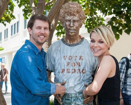 Gosh! 'Napoleon Dynamite' Cast Reunites to Unveil New Statue