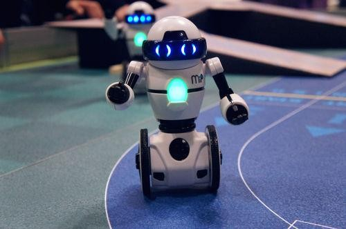 This Two-Wheeled Robot Will Bring You a Coke if You Ask Nicely