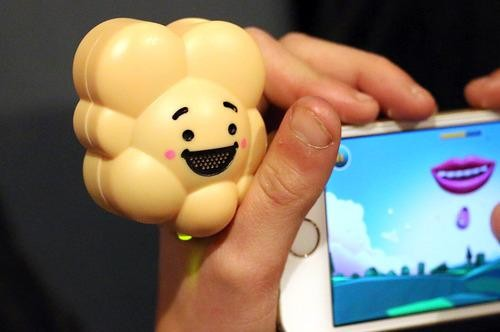 A Gadget That Makes Your Smartphone Smell Like Popcorn -- For Charity