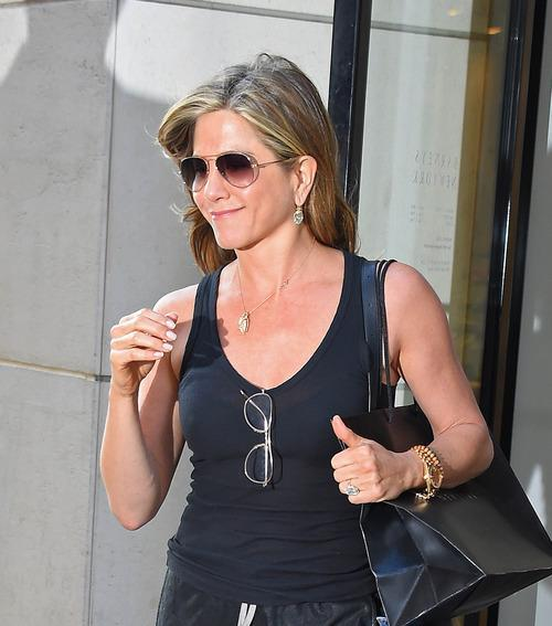 Jennifer Aniston's Secrets for Getting a Vacation-Perfect Bikini Bod