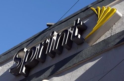 Sprint Offers Phone Optimized for Music Playback, Plus Discounts to Spotify Service