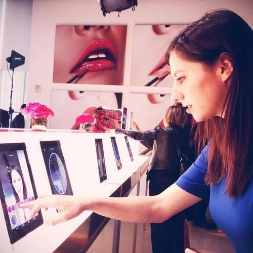 Try Makeup Genius, an Incredible Magic Mirror That Lets You Test Out Beauty Products