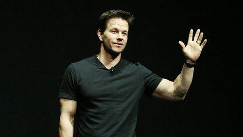 Mark Wahlberg in Talks to Star in BP Oil Rig Disaster Movie