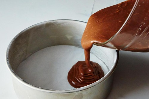 1 Rule for Perfect Cake Pan Prep