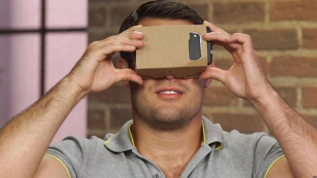 WATCH: How to Make Your Own Cheap Virtual Reality Headset